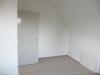 Moderne 2,5 Zimmer Dachgeschoss-Wohnung in zentraler Lage - Zimmer
