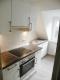 Moderne 2,5 Zimmer Dachgeschoss-Wohnung in zentraler Lage - Küche mit moderner Einbauküche