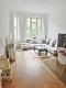 Charmante 4 Zimmer Altbauwohnung mit Balkon und moderner Einbauküche - Wohnzimmer