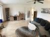 Schön aufgeteilte und moderne 2,5 Zimmer Wohnung mit Terrasse - Wohnzimmer...
