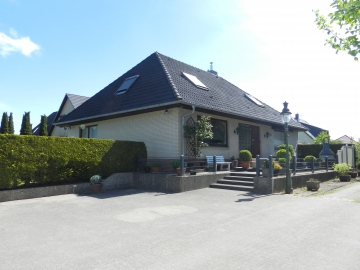 Viel Platz für große Familien, 22889 Tangstedt, Zweifamilienhaus
